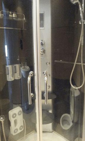 Puertas correderas en cabina de hidromasaje Valencia
